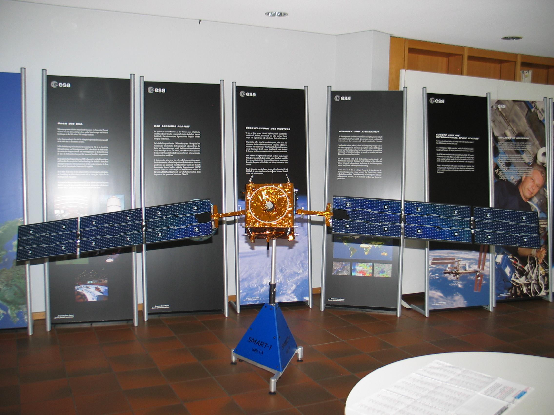 Astronomietag 2008, Raumfahrtaustellung in der VHS Bad Homburg.